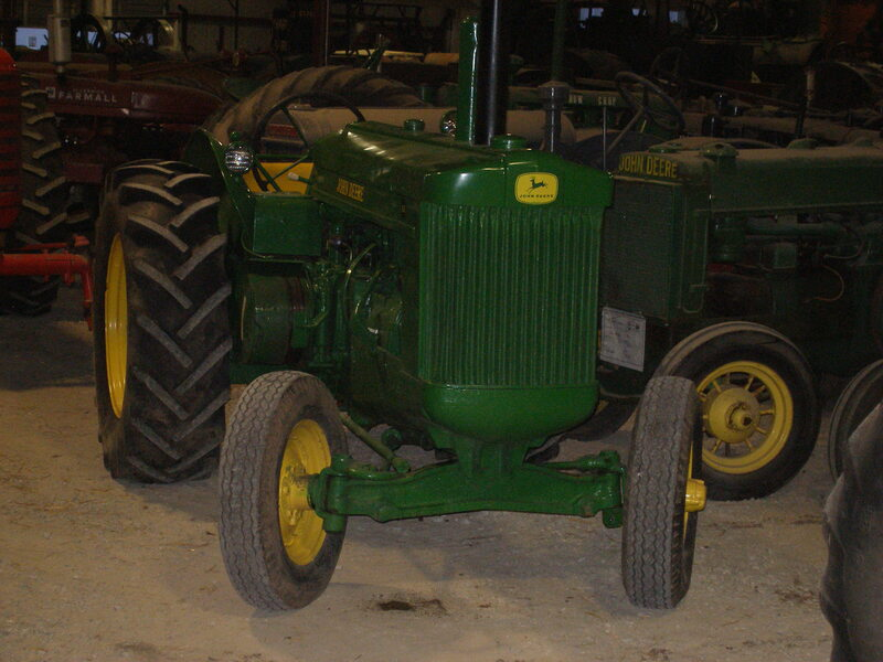 John Deere AR Styled. Unknown year 19 - 25 HP