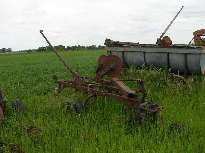 IH 3 Bottom Hydraulic Plow
