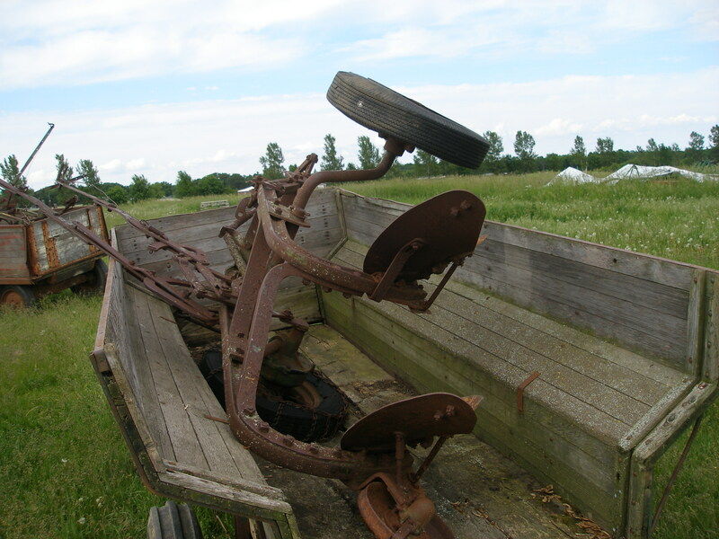 John Deere 3 Bottom Plow - Parts