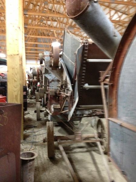 Huber 28 Inch Thresher