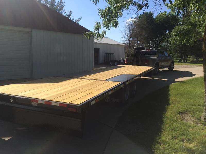 2014 Kiefer Built Goose Neck Trailer with Hydraulic Dove